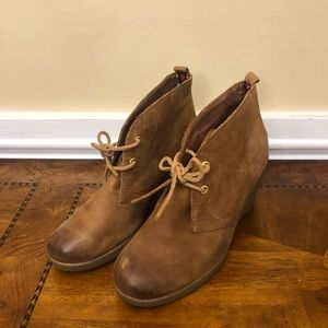 Sperry Leather Harlow boots size 10